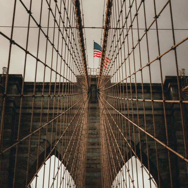 New York City - Nahaufnahme der Brooklyn Bridge
