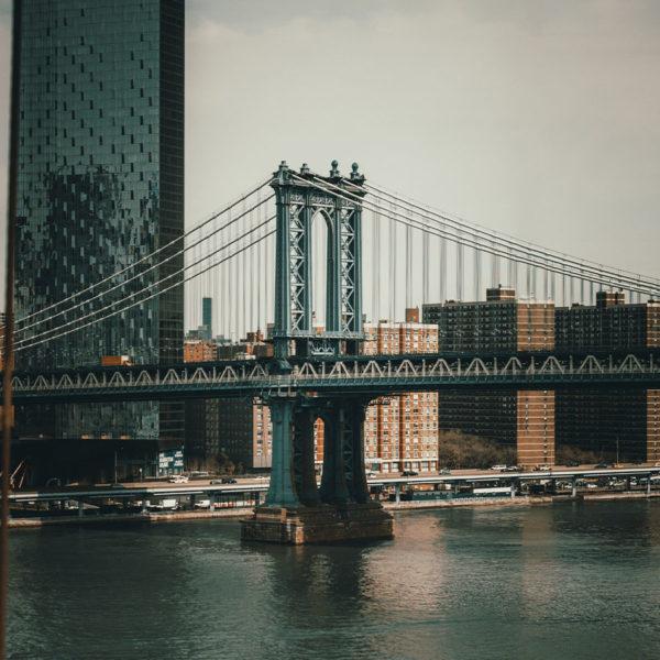 New York City - Blick auf die Manhattan Bridge von der Brooklyn Bridge